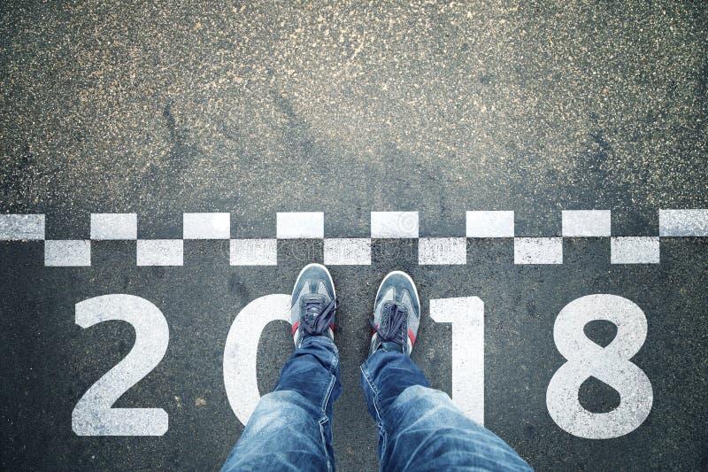 Personne à la ligne fond de nouvelle année de début images stock