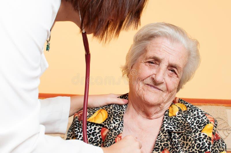 Personne âgée photos libres de droits