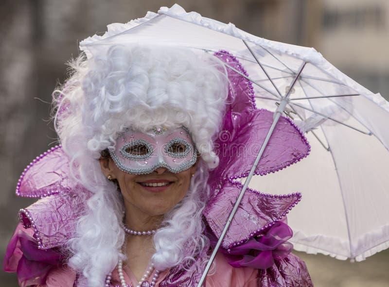 Personne déguisée - carnaval vénitien 2014 d'Annecy photographie stock