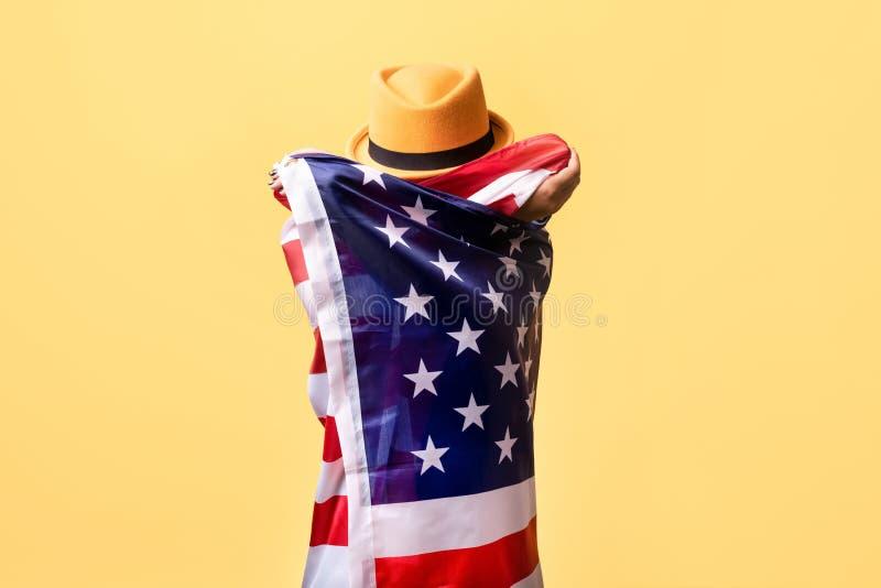 Personne dans le drapeau des Etats-Unis photographie stock libre de droits