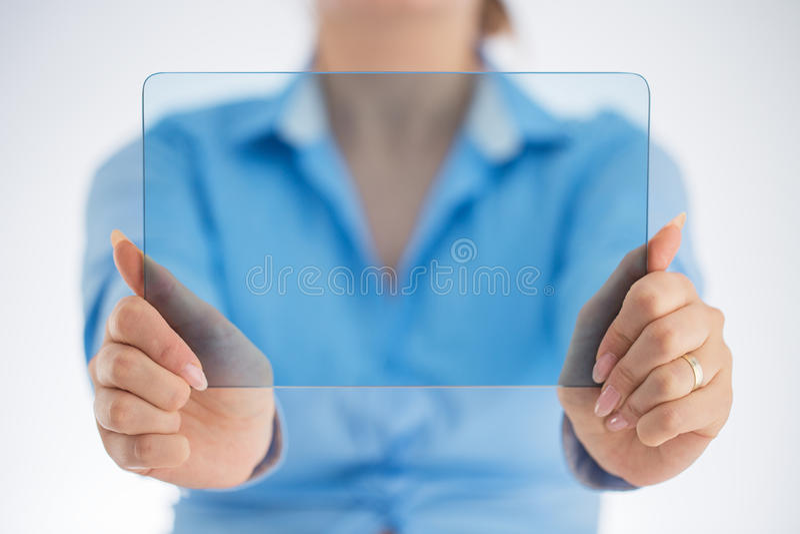 Personne réussie se servant des technologies innovatrices photographie stock libre de droits