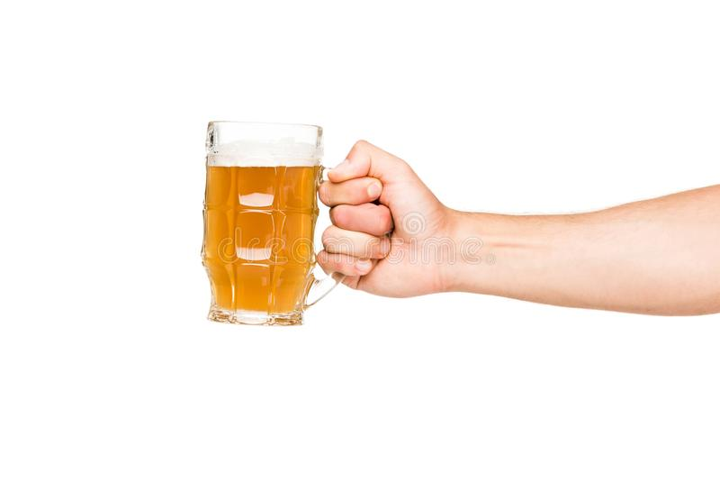Personne tenant le verre de bière images libres de droits