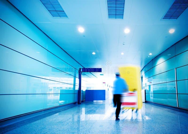 Personnel à l'intérieur du terminal photo stock