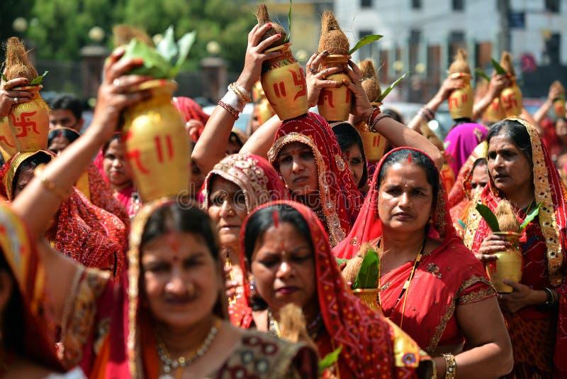 Personnes de Nepali célébrant le festival de Dashain photo libre de droits