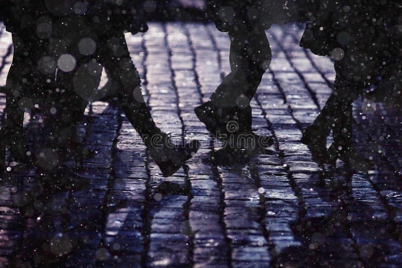 Personnes de silhouettes de jambes de fond photographie stock libre de droits