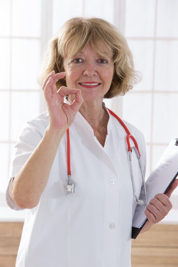 Personnes de soins de santé et de médecine image libre de droits