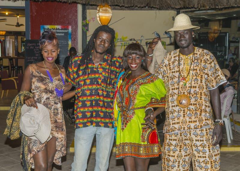 Personnes gambiennes de sourire images libres de droits