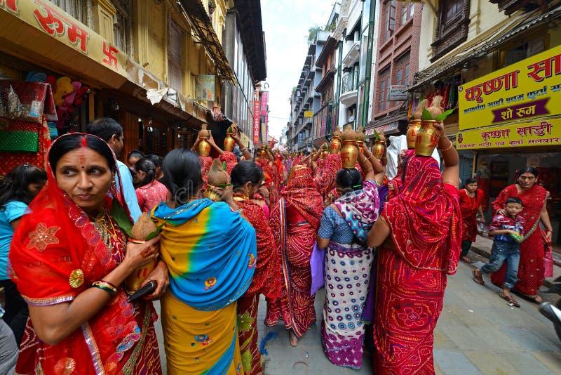 Personnes népalaises célébrant le festival de Dasain à Katmandou, Ne photo stock