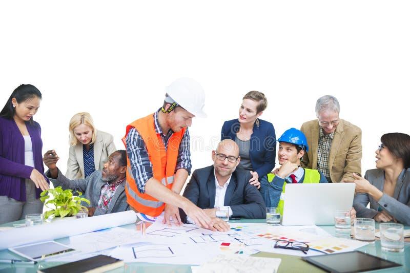 Personnes professionnelles diverses lors d'une réunion images stock