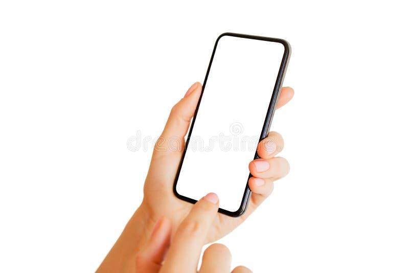 Persoon die telefoon met het lege witte scherm met behulp van Mobiel app model royalty-vrije stock foto's