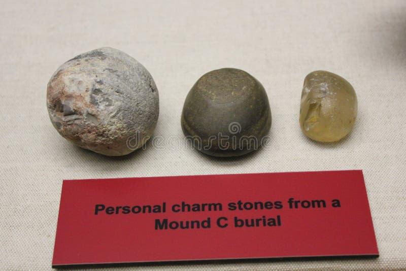 Persoonlijke die Charmestenen bij Hoop C, Etowah-hoop worden gevonden royalty-vrije stock afbeelding