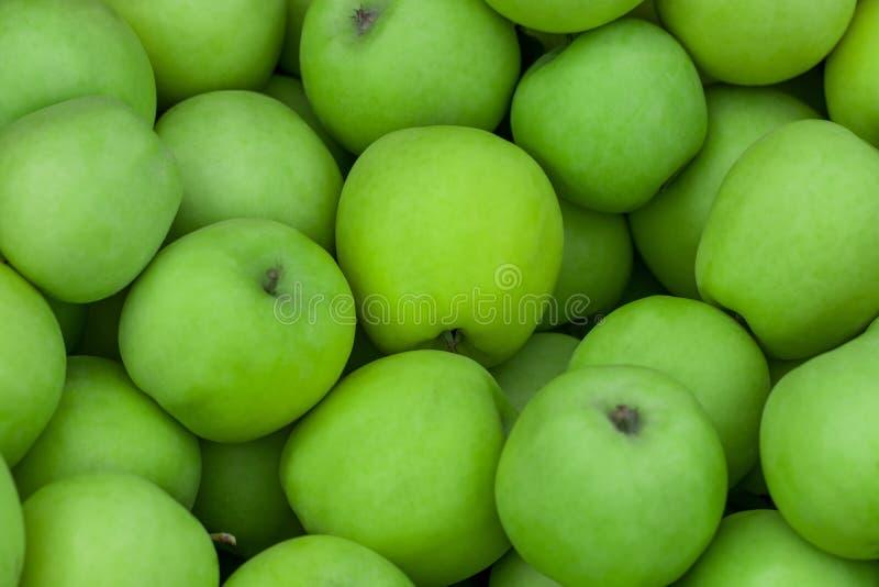 Perspec aéreo dos fundos crus verdes das frutas e legumes da maçã imagens de stock