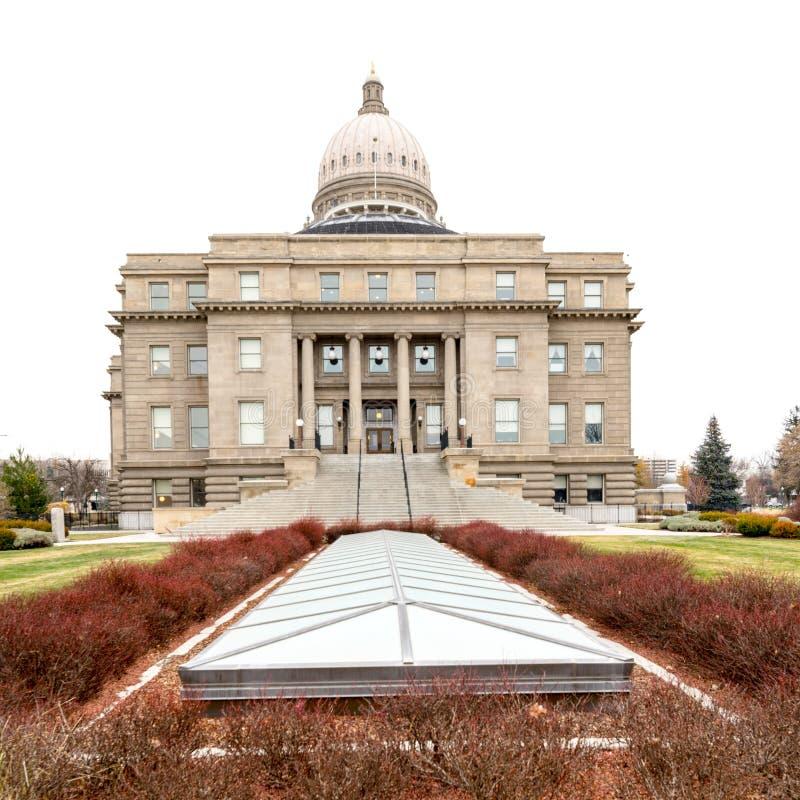 Perspectiva única en la capital del edificio de Idaho en invierno imagenes de archivo