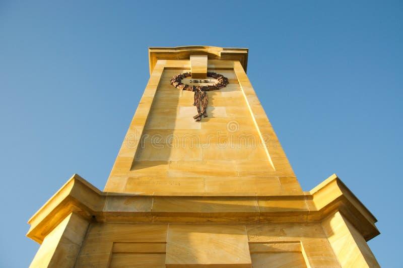Perspectiva caida del monumento de los marineros y de los soldados fotografía de archivo libre de regalías