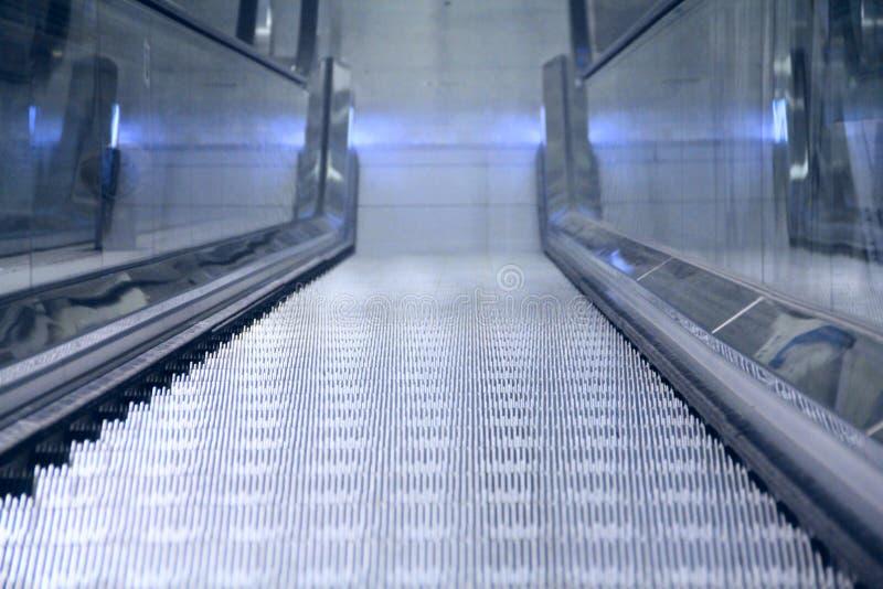 Perspectiva da escada rolante imagem de stock