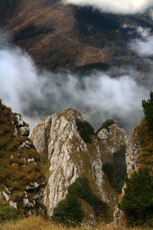 Perspectiva de la montaña foto de archivo libre de regalías
