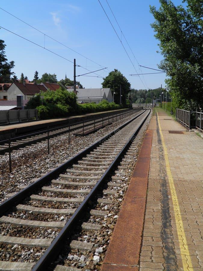 Perspectiva de las pistas ferroviarias fotografía de archivo