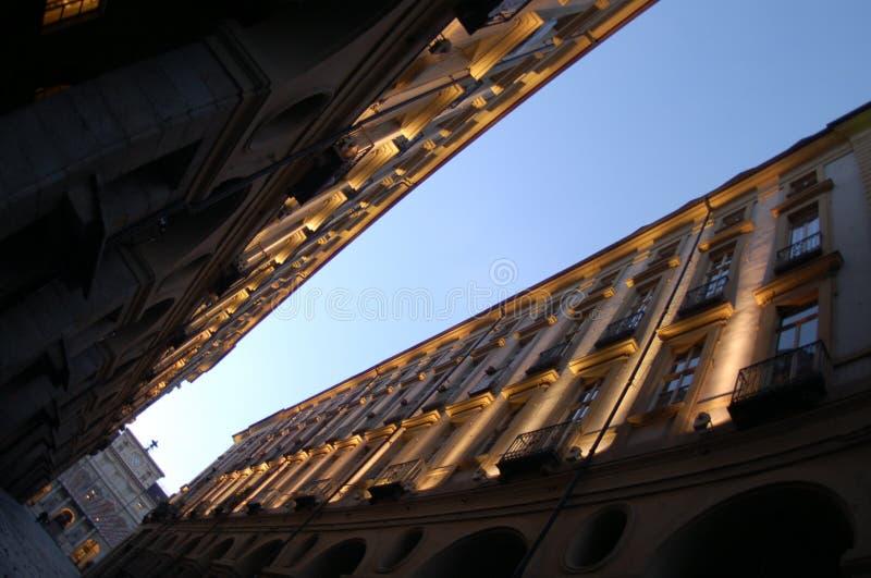 Perspectiva diagonal dos edifícios imagem de stock