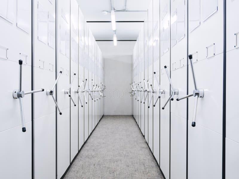 Perspectiva móvel da sala de cremalheira do original do armazenamento do escritório do armário fotos de stock royalty free
