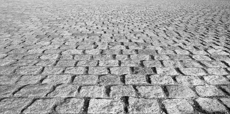 Perspectiva Visão Monotone Gray Brick Stone Pavement no Ground for Street Road Calçada, Via, Pistas, Pavimento fotos de stock
