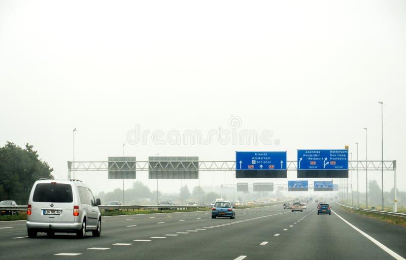 Perspective personnelle du conducteur POV sur la route néerlandaise photos stock