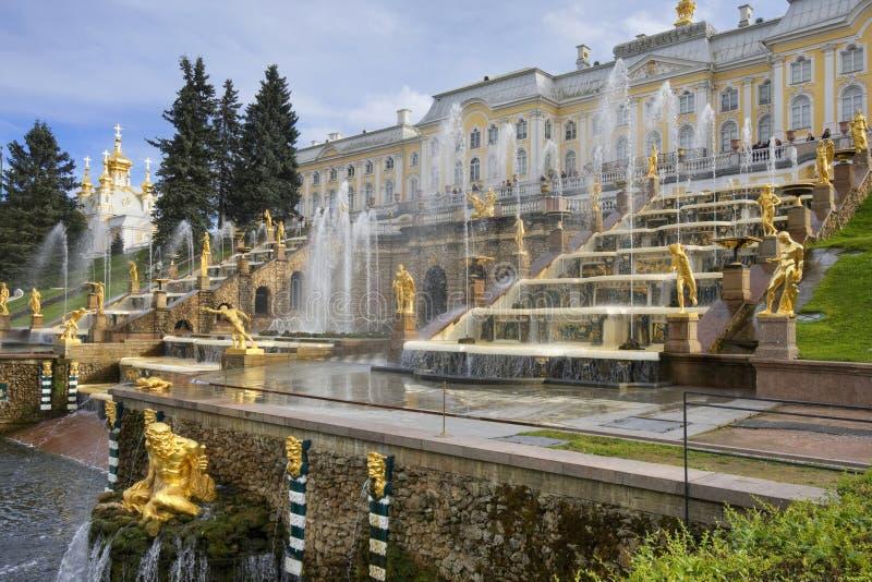 Pertergof, heilige-Petersburg, Rusland. royalty-vrije stock afbeeldingen