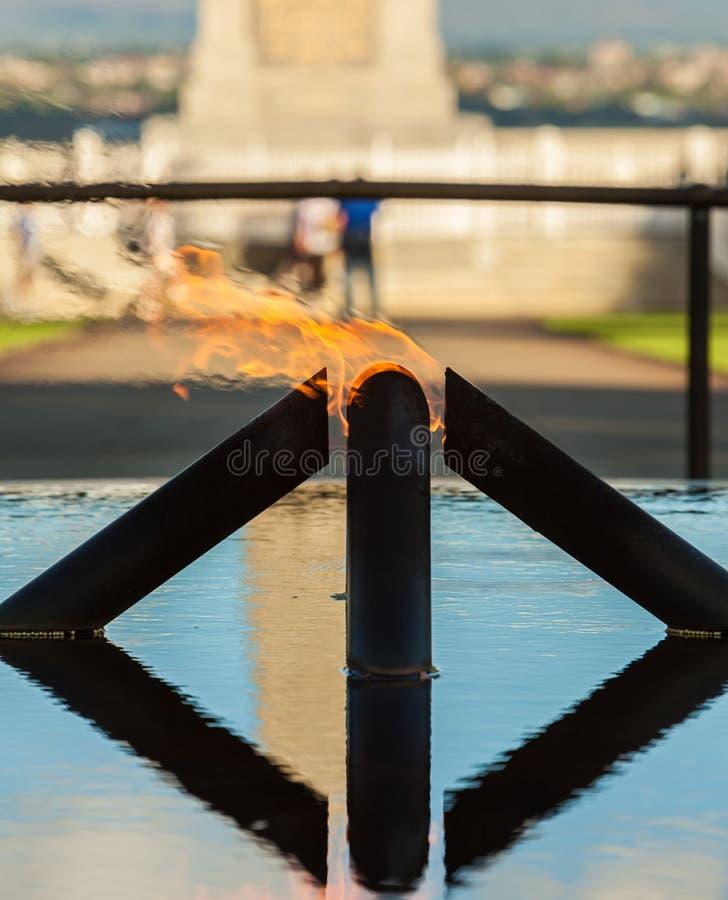 PERTH, AUSTRALIEN - 11. DEZEMBER 2011: Die Flamme der Erinnerung stockfotos