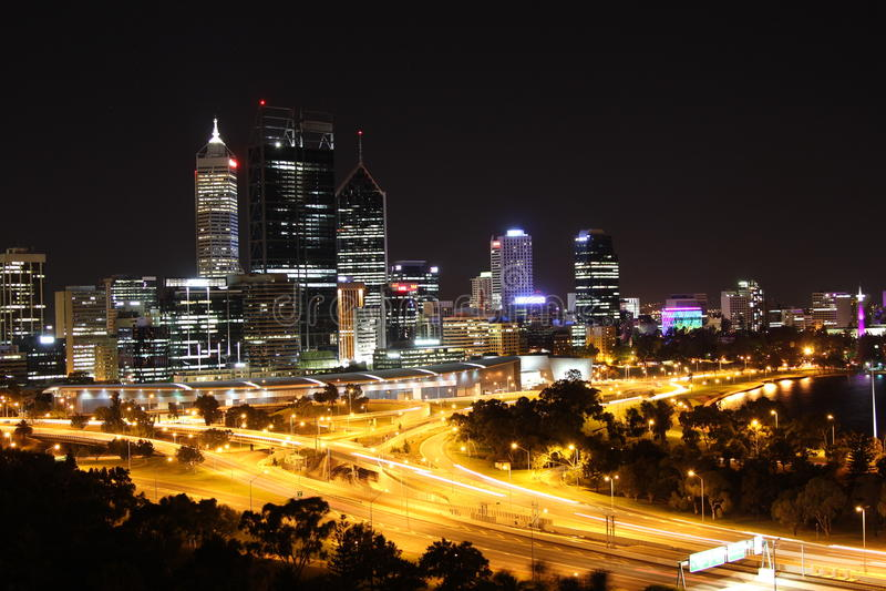 Perth la nuit image stock