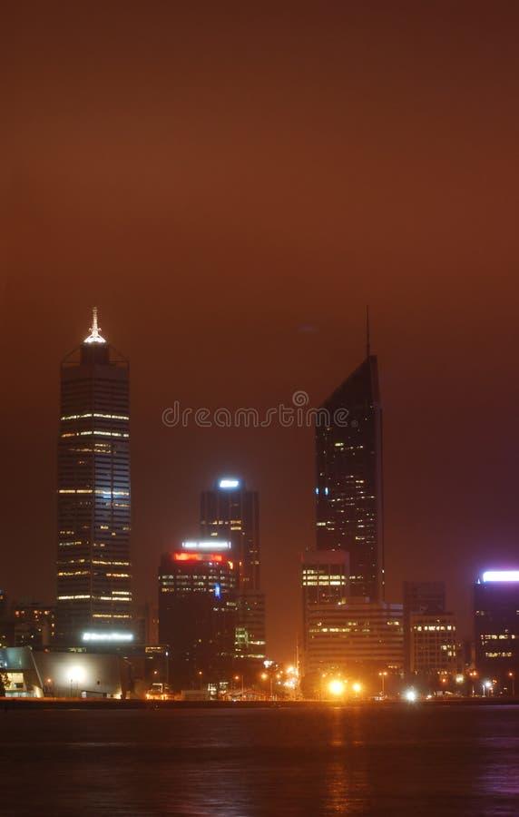 Perth-Stadt im Mondschein stockfotografie