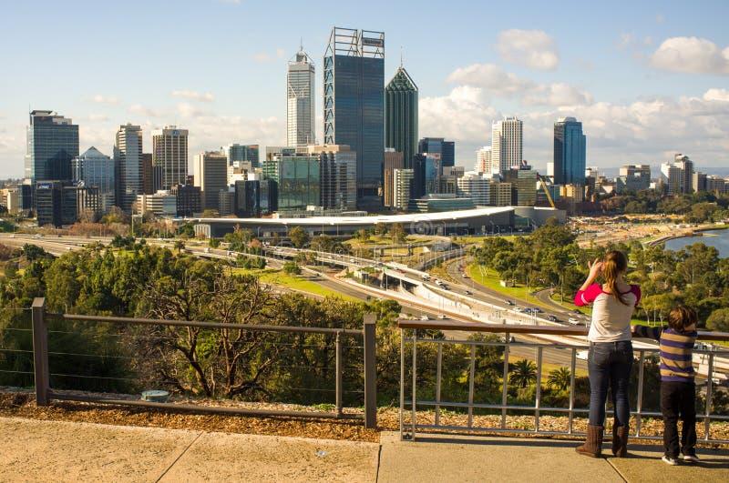 Perth-Stadt-Skyline lizenzfreies stockfoto