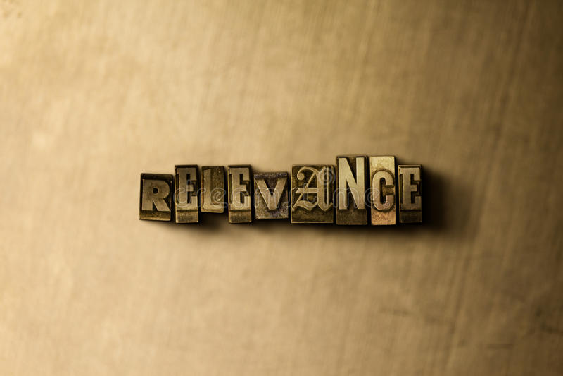 PERTINENCE - plan rapproché de mot composé par vintage sale sur le contexte en métal illustration libre de droits