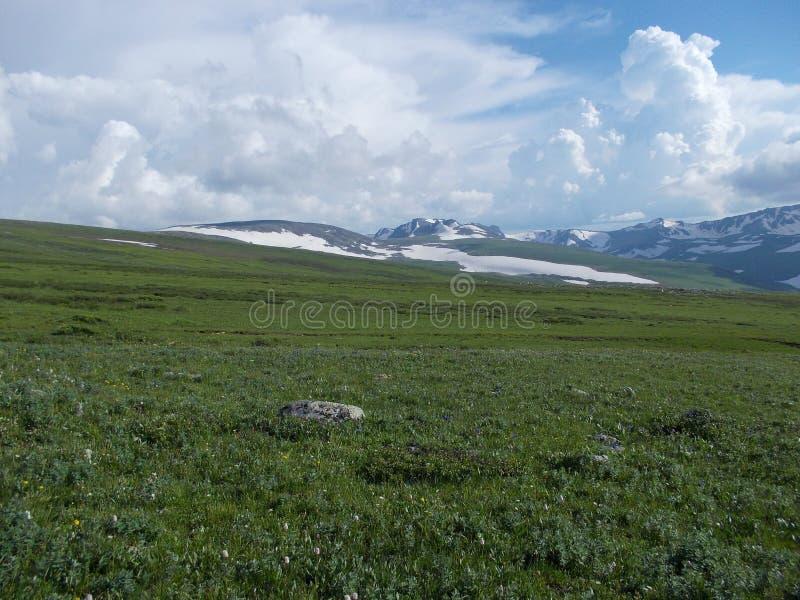Perto da montanha de Korolevsky Belok imagem de stock