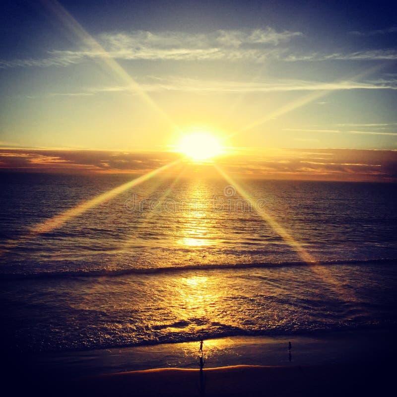 Perto do oceano no por do sol, Carlsbad, Califórnia EUA imagem de stock royalty free