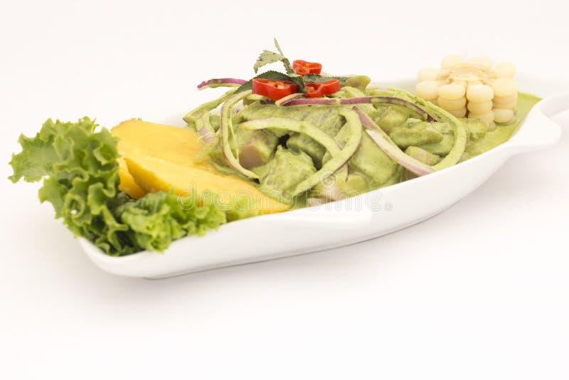 Peru Dish: Cebiche (ceviche) en Crema Andina Basilika koriander, ny fisk, citronjuice, lök, söt potatoe, camote fotografering för bildbyråer