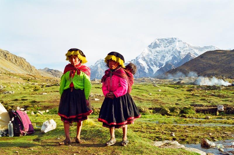 Peru-Gebirgskinder stockbilder