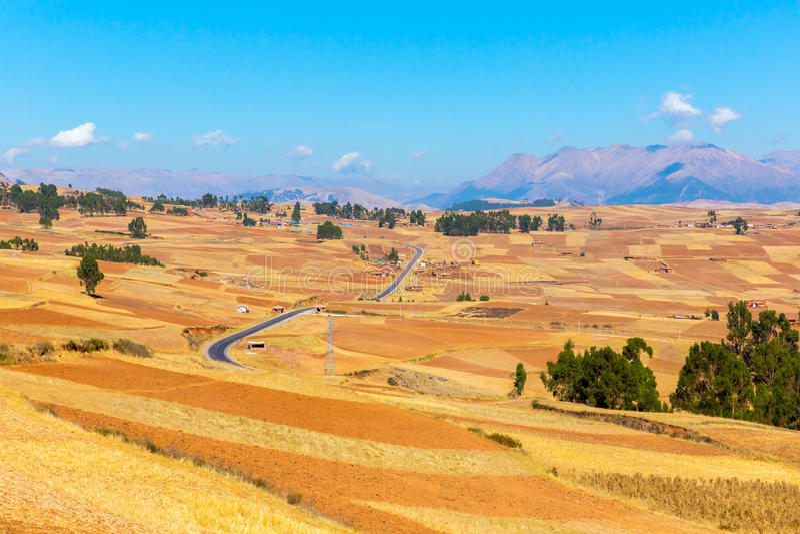 Peru Ollantaytambo-Inca fördärvar av den sakrala dalen i Anderna berg, Sydamerika. arkivbild
