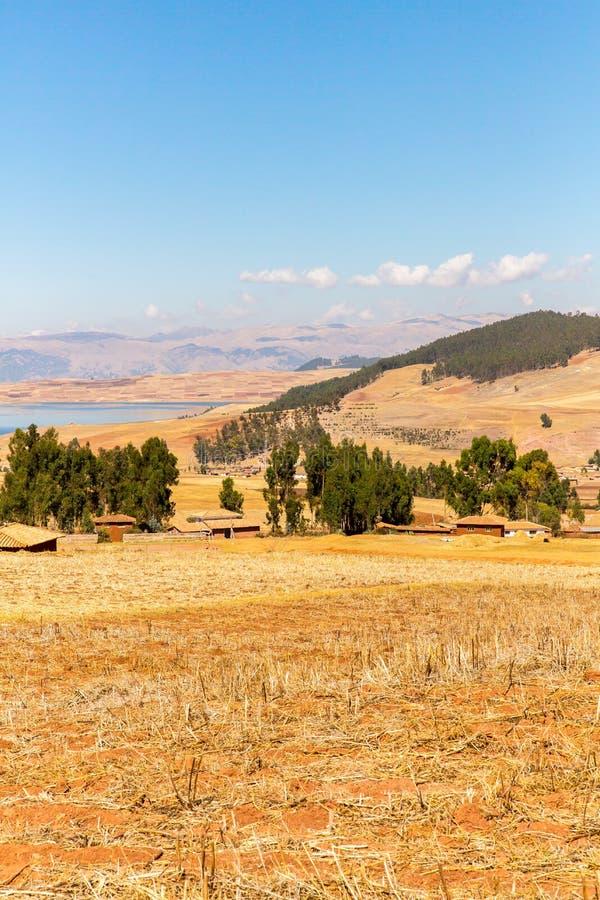 Peru Ollantaytambo-Inca fördärvar av den sakrala dalen i Anderna berg, Sydamerika royaltyfria bilder