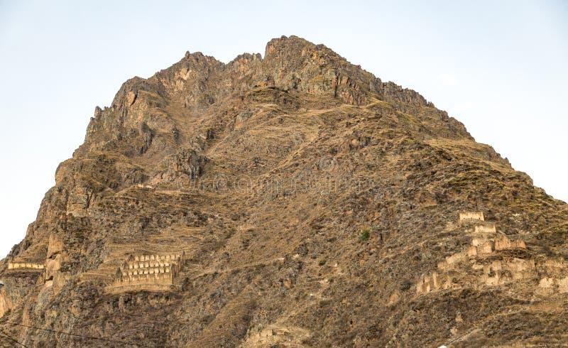 Peru, Ollantaytambo, ruínas do Inca de Pinkulluna imagens de stock