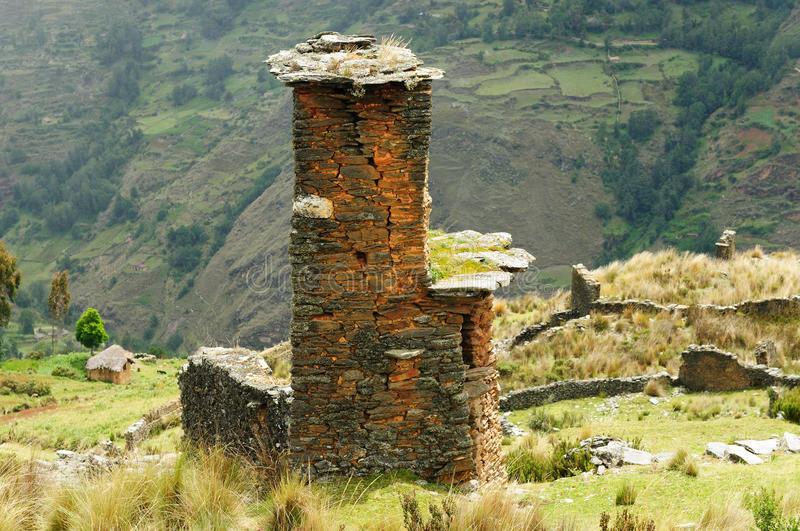 Peru, Piruro vor Kolumbianer ruiniert nahe Tantamayo lizenzfreie stockfotografie