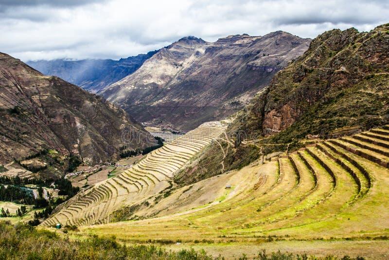 Peru, Pisac (Pisaq) - Inca-ruïnes in de heilige vallei in de Peruviaanse Andes stock foto's