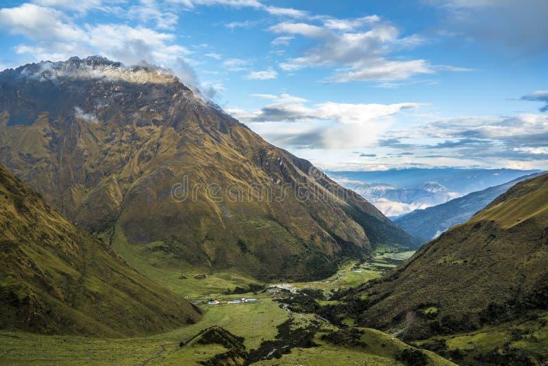Peru Trekking de Salkantay foto de stock