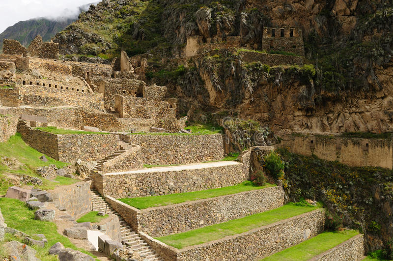 Peru, vale sagrado, fortaleza do Inca de Ollantaytambo fotos de stock