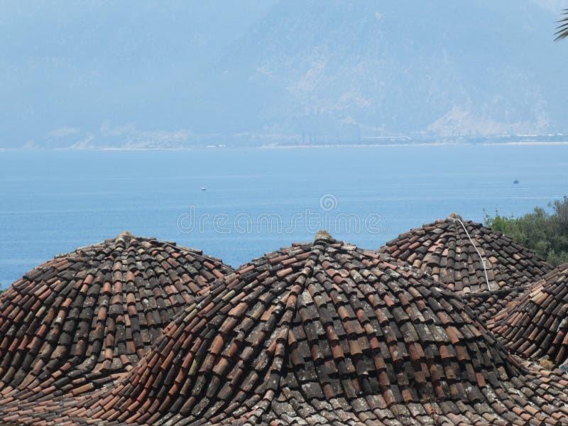 Peru velho de Antalya da cidade dos telhados do telhado fotos de stock