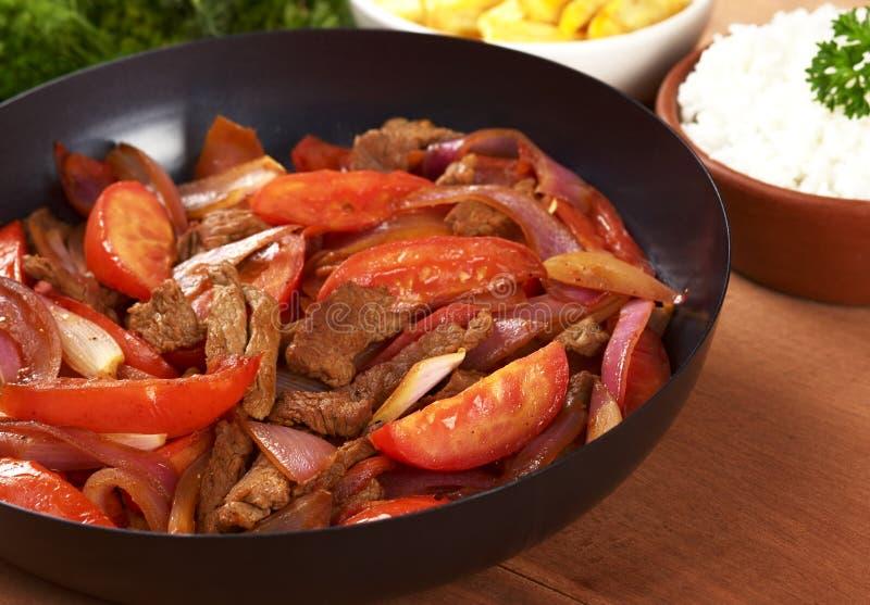 Peruanische Nahrung benannte Lomo Saltado stockfotos