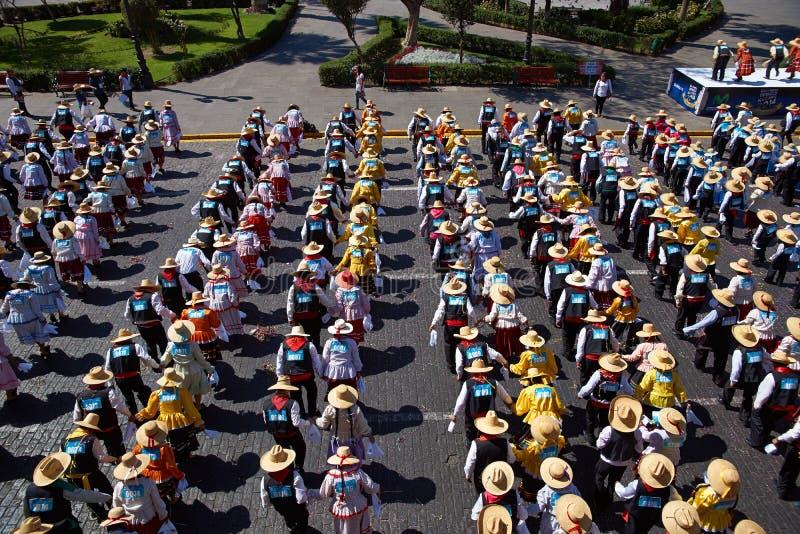 Peruansk folkdans arkivfoto