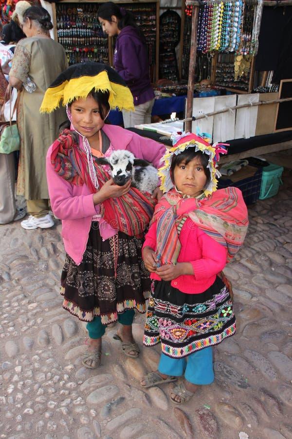 peruanska barn royaltyfria bilder