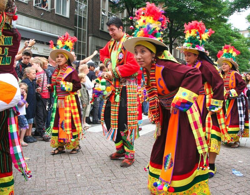 peruanska karnevaldansare royaltyfri bild