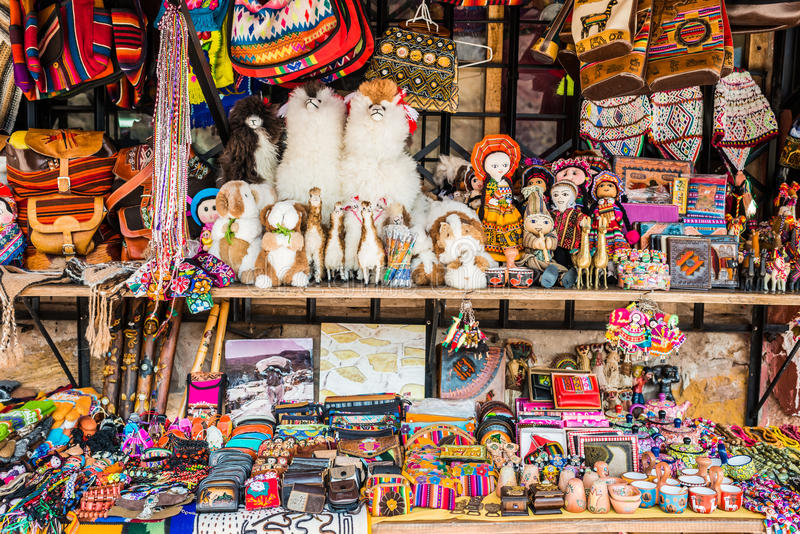 Peruanska traditionella handcraft souvenir Anderna Cuzco Peru royaltyfri bild