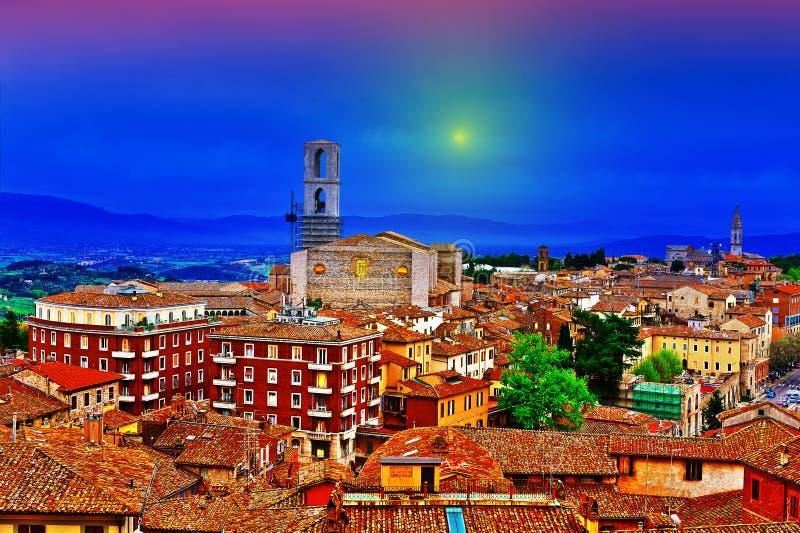 Perugia en la noche fotografía de archivo