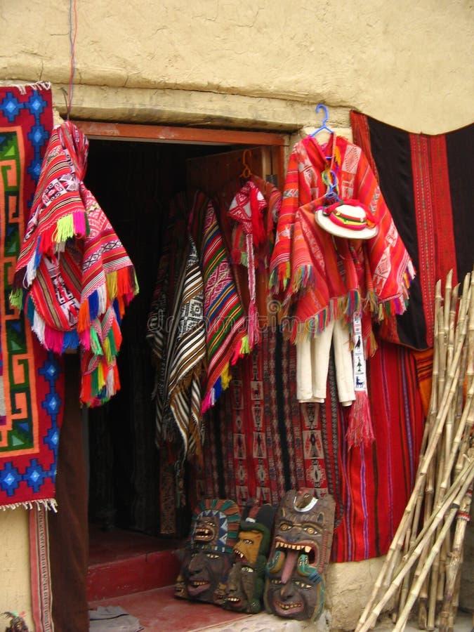 Peruviaanse Kleren voor Verkoop royalty-vrije stock fotografie